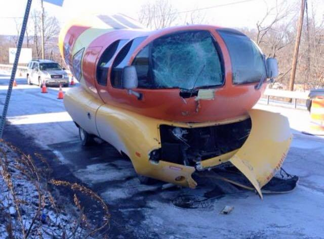 Oscar Mayer Wienermobile besides Coches additionally Oscar Mayer Wienermobile 1952 furthermore Food Technology Training moreover Wienermobile Visits New T a And. on oscar mayer weiner mobile